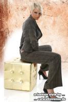 Catwalk Avenue 2:1 Blaser & Hose Modell Elegante im Karo mix