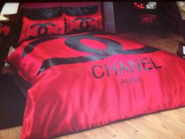 Chanel Bettw�sche Rot Satin 6 teilig