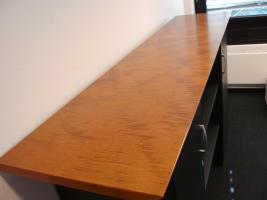 Foto 3 Chefzimmer Gwinner Votum Schreibtisch Schrank Highboard