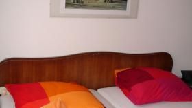 Foto 9 Chippendale Schlafzimmer (Original)  aus den 30/40iger Jahren (Nußbaumholz)