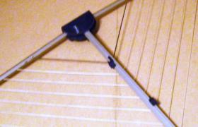 Combifix. Wäschetrockner ''Leifheit'', mit Wandhalterungen, für den Balkon o. Terrasse.
