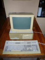 Commodore PC 20-III mit Monitor
