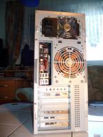 Computer mit 800 ''Watt Netzteil