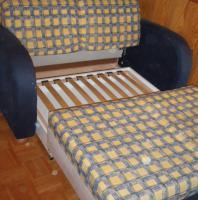 Foto 2 Couch Sofa für Jugendzimmer oder Schlafzimmer mit Schalffunktion und integriertem Lattenrost