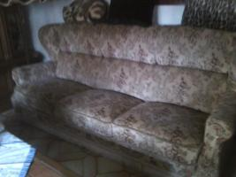 Couch u 2 Sessel