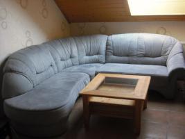 Couchgarnitur und Couchtisch zu verkaufen