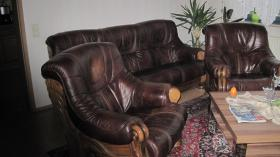 Foto 2 Couchgarnitur Leder mit Eiche rustikal Holzgestell