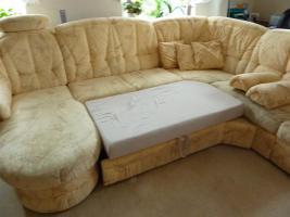 Couchgarnitur mit Schlaffunktion und Sessel