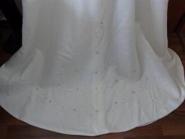 Foto 3 Creme farbenes Hochzeitskleid in der Größe 40