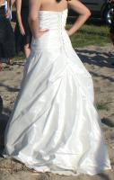 Foto 2 Cremefarbenes Hochzeitskleid in Gr. 38 mit Glasperlen und Schnürung!