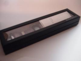 Foto 5 DAU Nina Ricci, Modell Depose, LCD mit Diamanten