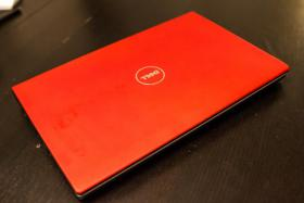 DELL Studio 1558 red Laptop