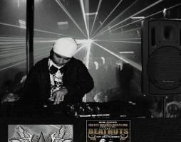 Foto 2 DJ