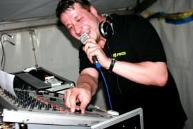 Foto 3 DJ Hainichen , DJ Meissen, DJ Meißen, DJ Grimma, DJ Leipzig , Ihr DJ für Hochzeiten Nossen , DJ für Veranstaltungen in Dresden Freiberg Nossen , Mobile Disco Sachsen