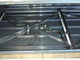 Foto 2 Dachbox mit Reling-Grundträger