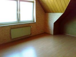 Foto 3 Dachgeschosswohnung in Duisburg