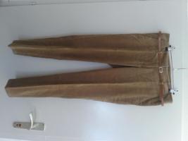 Foto 2 Damen Anzug fein Cors bzw. Schnursamt. Gro 40 um 25€.