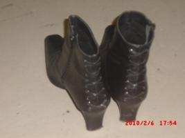 Foto 2 Damen Stieffeleten aus Leder Gr 39 - Schwarz