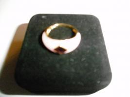Damenring rosa Jade mit einem Granaten in 333 Gold