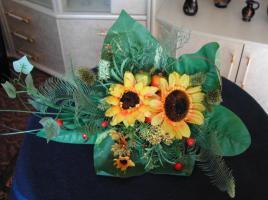 Dekorativer Blumenstrau� aus Seide