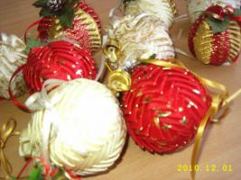 Foto 3 Der individuelle einmalige Christbaumschmuck jede Kugel handgearbeitet