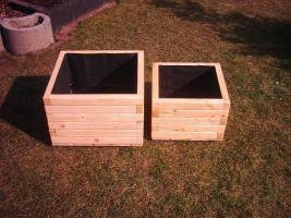 Der nächste Frühling kommt bestimmt, verkaufe Pflanzkübel aus Holz Preis: 10 EUR