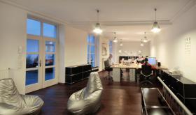 Designbüro bietet schönen Büroarbeitsplatz in Düsseldorf zur Untermiete