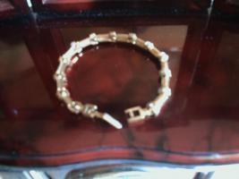 Foto 2 Designer Armband von Gucci dazu passende Handtasche auch von Gucci