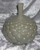 Designervase aus Porzellan mir Kristallen besetzt