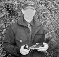 Deutscher mit 34a  jahrelanger Berufserfahrung - SECURITY und HUND sucht Nebenjob zB Siedlungsschutz.