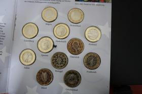 Foto 2 Die '' Ersten '' 1 EUR Kursmünzen aus 12 Ländern