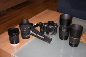 Digitale Spiegelreflexkamera, Konica Minolta Dynax 5D mit 4 Objektiven