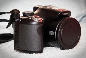 Foto 7 Digitalkamera Casio EX FH-25 + Zubehör / Rechnung / 1 Jahr Garantie / OVP