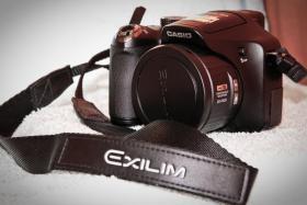 Foto 9 Digitalkamera Casio EX FH-25 + Zubehör / Rechnung / 1 Jahr Garantie / OVP
