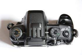 Digitalkamera Dynax 7D mit Objektiv