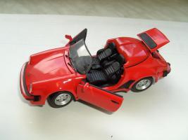 Div. Modellautos Porsche, Lamborghini, BMW und Safariwagen