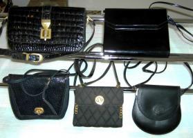 Foto 2 Diverse Damentaschen