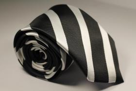 Foto 12 Diverse Krawatten, Einstecktücher Fliegen