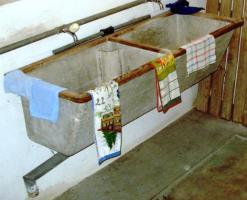Foto 2 Doppel-Waschtrog