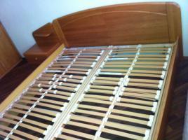 Doppelbett Erle teilmassiv mit zwei Nachtkonsolen