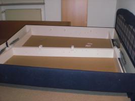 Foto 2 Doppelbett-Kastenbett