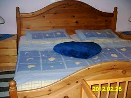 Doppelbett Naturholz mit 2 Lattenrosten