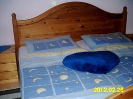 Foto 2 Doppelbett Naturholz mit 2 Lattenrosten