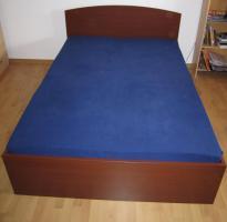 Doppelbett (Nussbaum) mit Bettgestell, Matrazen, Federholzrahen, Anleitung, usw