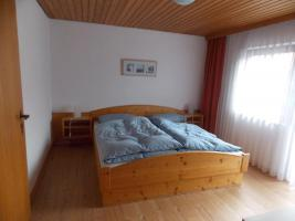 Doppelbett, Kiefer massiv, 180 x 200 cm, FeWo Zim. Auflösung