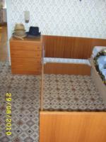 Doppelbett, je 90 x 190 mit 2 passenden Nachttischle