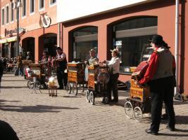 Foto 11 Drehorgelspieler, Akkordeonspieler, für Hochzeiten , Geburtstage & Event