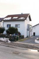 Drei Häuser mit Garten und eigener Trinkwasserquelle, Zagreb