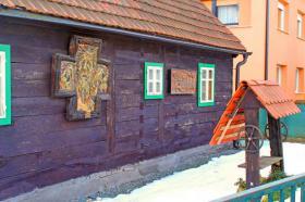 Foto 2 Drei Häuser mit Garten und eigener Trinkwasserquelle, Zagreb