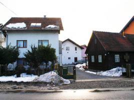 Foto 7 Drei Häuser mit Garten und eigener Trinkwasserquelle, Zagreb